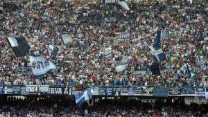 Il Napoli Vuole Bene ai Suoi Tifosi - Ma la Juventus li Vuole Fuori dalla Partita.