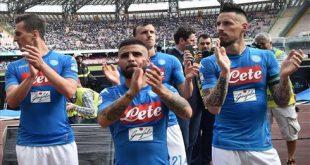 Il Napoli Ringrazia i Tifosi Fedeli - Ma Sarri Teme di Perdere la Squadra.