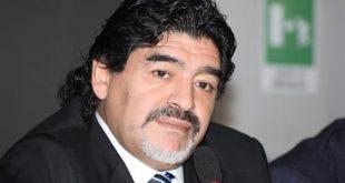 Maradona Attacca gli Haters - Albiol Conferma che Rimarrà al Napoli.
